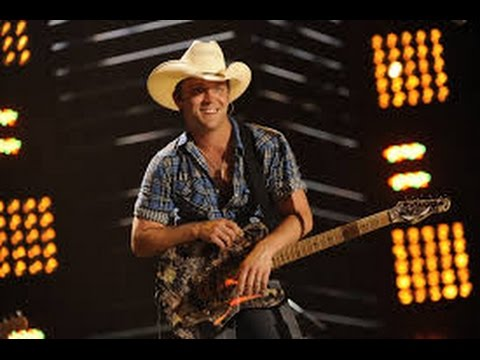 Justin Moore More Middle Fingers Kinda Dont Care Lyrics Youtube
