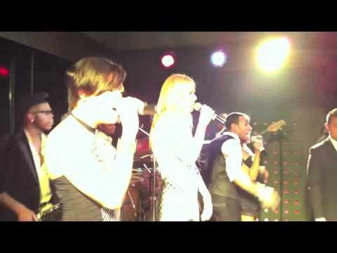 Gwyneth Paltrow jams with  Xpress el-live - Park Hyatt Beijing
