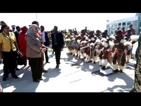 Makamu wa rais samia suluhu akiwa awasili nchin Swaziland