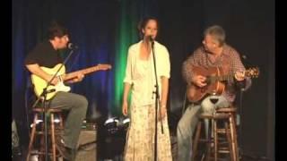Annie Sellick, Pat Bergeson, Tommy Emmanuel: Honeysuckle Rose.mp3
