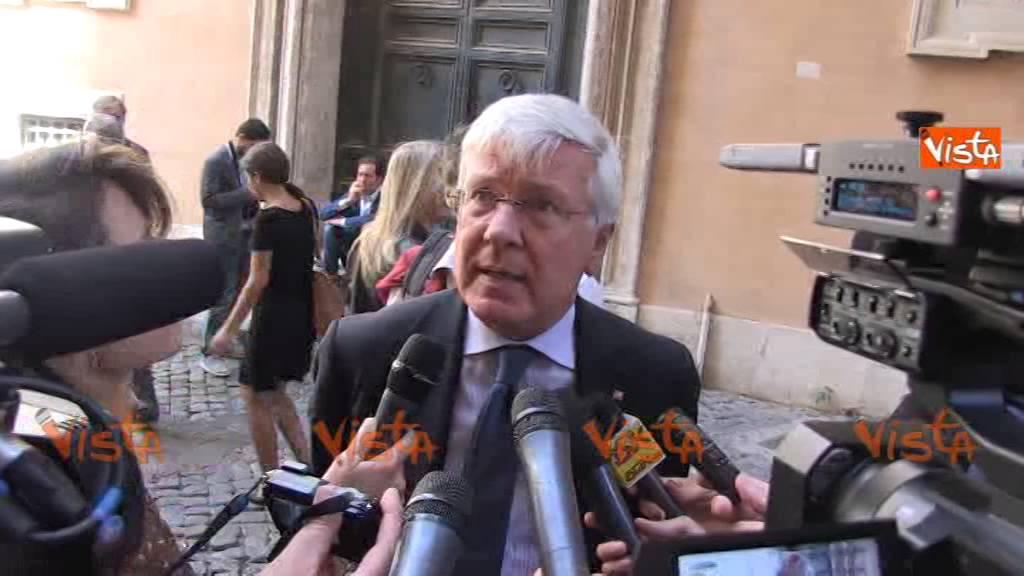 Romani offeso dal passaggio poco chiaro di senatori di for Senatori di forza italia