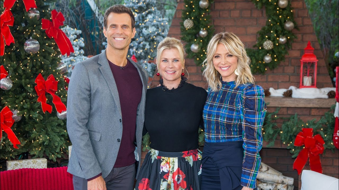 """Alison Sweeney Family Pictures alison sweeney """"time for you to come home for christmas"""" interview - home &  family"""