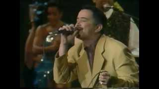 No vale la pena Enamorarse - Ray Sepulveda y Johnny Rivera (HD)