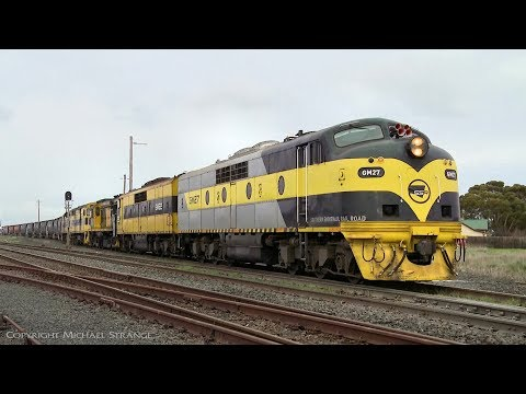9733V SSR Grain Train With 5 ALCO & EMD Diesel Locomotives - PoathTV Australian Railways