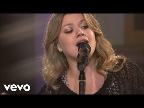 Kelly Clarkson – I Do Not Hook Up