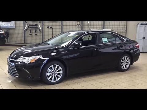 2017 Toyota Camry Xle Hybrid Review