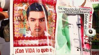Мексика  родители пропавших студентов требуют правды