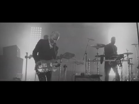 Monarchy - Living Without You (Live in Barcelona)