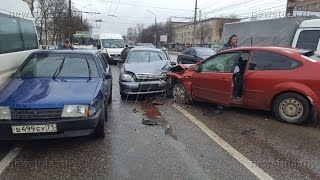На пр. Ленина в Туле столкнулись 5 машин