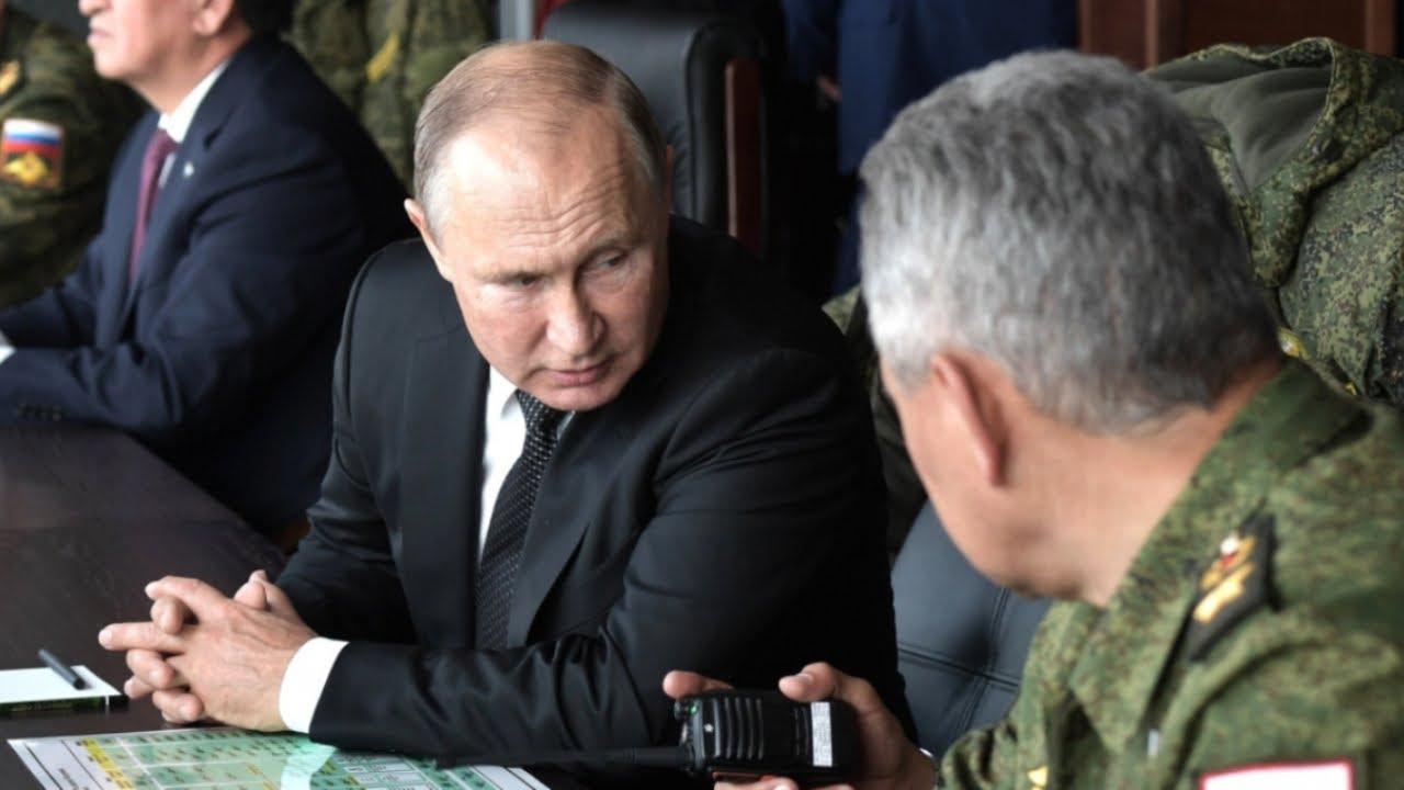Путин попал в капкан, который он сам и поставил. Остается только бомбить Воронеж.