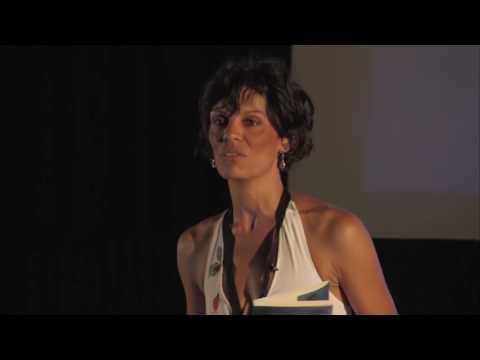 Vivemos abaixo das nossas possibilidades | Raquel Varela | TEDxFCTUNL