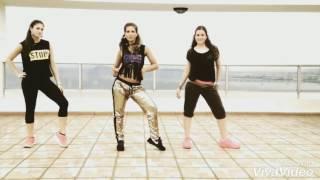 رقص زومبا على اغنية شاكيرا لا لا