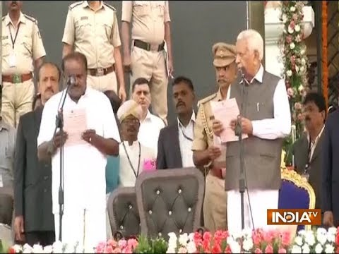 Karnataka swearing-in: HD Kumaraswamy sworn in as CM in presence of top Opposition leaders