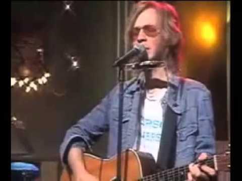 Beck live - Hollow Log (audio boost, lyrics below)