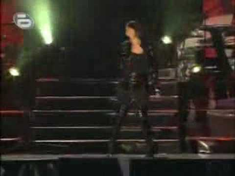 Rihanna - Sell Me Mandy (Live In Bulgaria)
