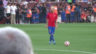 Messi scores 2 free kicks in a row during warm up