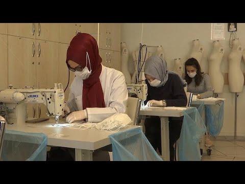 Türkiye'de meslek eğitmenlerinden koronavirüsle mücadeleye maske desteği