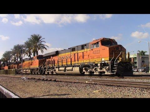 [HD] Railfaning Fullerton, CA 11/10/17