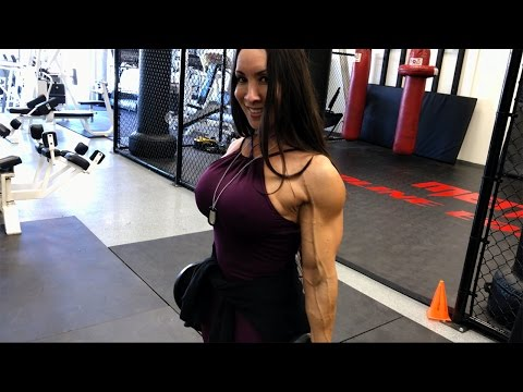 Strap Up! Denise Masino wins the Battle of the Belts! from YouTube · Duration:  2 minutes 31 seconds