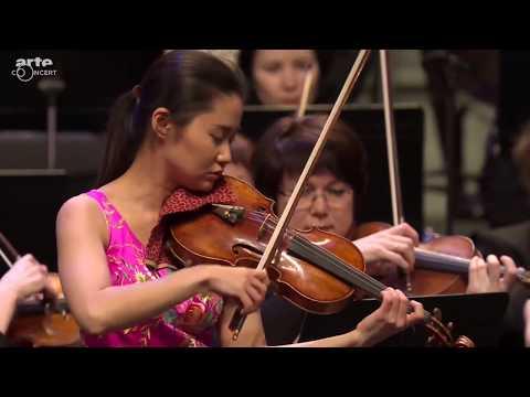 Sayaka Shoji plays Tchaikovsky : Violin Concerto in D major, Op.35