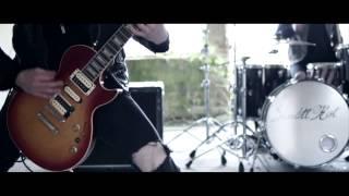 Смотреть клип Skarlett Riot - What We'Ve Become