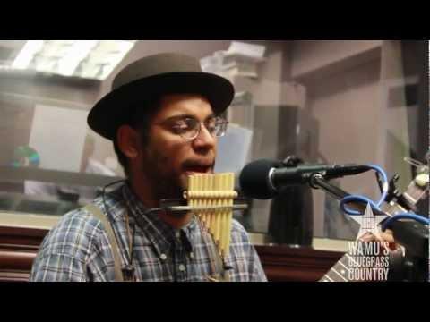 Carolina Chocolate Drops - Run Mountain [Live at WAMU's Bluegrass Country]