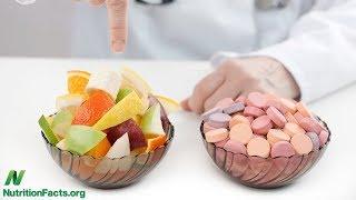Některé doplňky stravy nemusejí být jen ztrátou peněz, mohou nám i uškodit