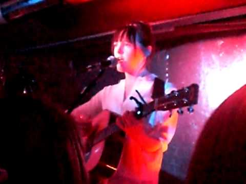 Laura Marling live in Berlin (Privatclub) 01.04. 2010 - Hope In The Air (with lyrics)