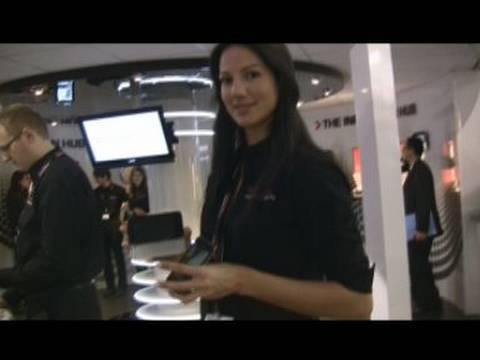 Toshiba TG02, K01 (qwerty) al MWC 2010 - video full hd