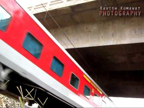 High speed bang of 22414 Madgaon Rajdhani, The newest Capital class train of India