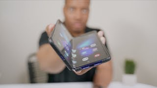 Download The Galaxy Fold CREASE - Is it a Problem? Mp3 and Videos