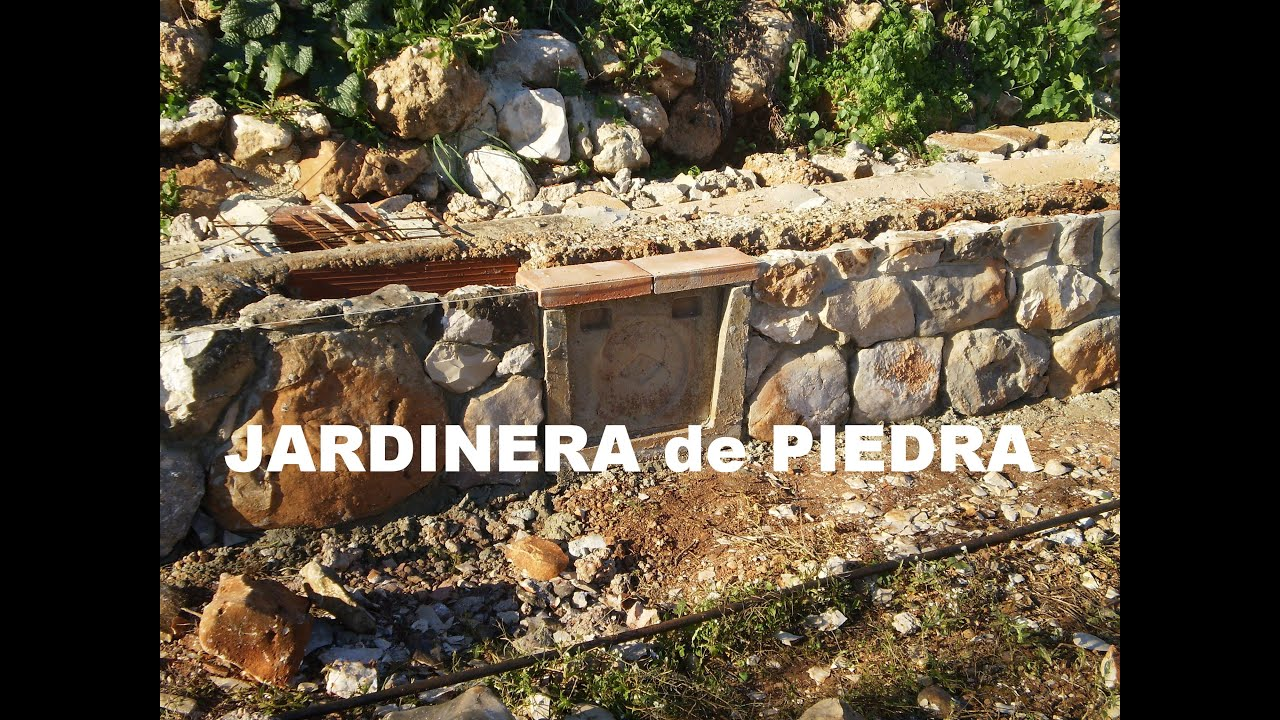 jardinera de piedra para el huerto o jard n youtube. Black Bedroom Furniture Sets. Home Design Ideas