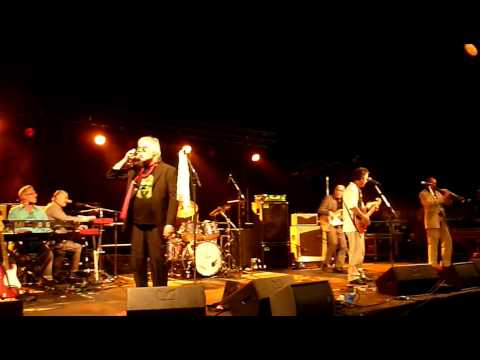 The Blockheads - 03 - George The Human Pigeon (Great British Beer Festival 05-08-2010)
