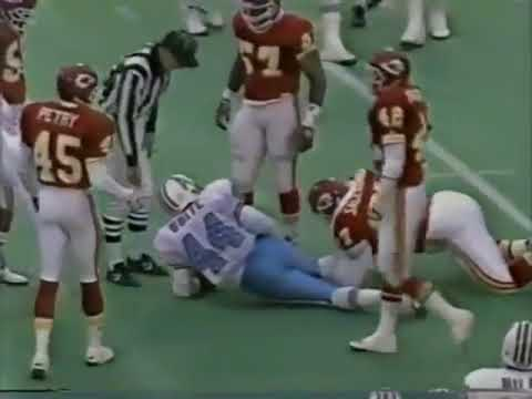 Warren Moon threw for 527 yards in Kansas City against a defense with Neil Smith and Derrick Thomas pass rushing, and an excellent secondary, with two pro bowl corners that year. All were pro bowlers at one point. Still one of the best games I've seen from a quarterback. Made so many great throws.