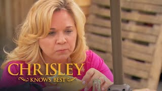 Chrisley's Top 100: Todd And Julie Give In To Their Taste Buds (S4 E14) | Chrisley Knows Best