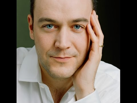 Venue Cymru - Interview with Concert Pianist Leon McCawley (November 2015)