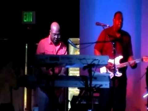 """Pieces of a Dream kicks off their Jacksonville, Fl concert with """"Wake Up Call"""". VIDEO_TS.avi"""