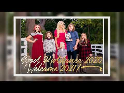 Tori Spelling and her five children 'officially kick off' the holiday season with a sweet card