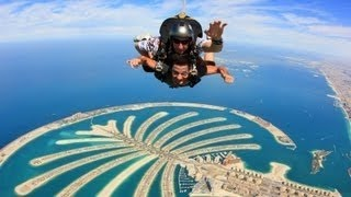 Skydive Dubai above the Palm Jumeirah hotels in dubai