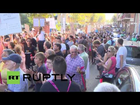 Spain: 'Go home, drunk tourists!' demand thousands of Barcelona locals