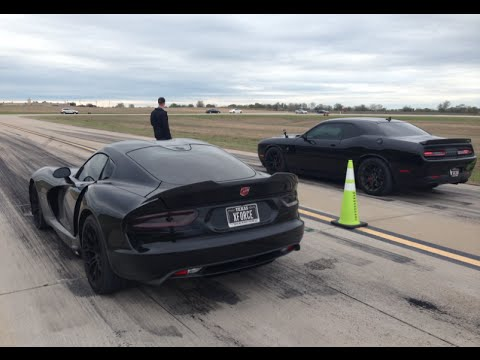 Challenger Hellcat Vs Dodge Viper 1 2 Mile Youtube