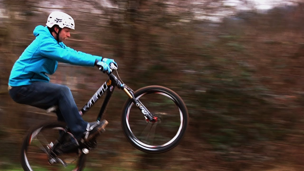 Scott Beaumont Yeti DJ 4X pro bike - YouTube