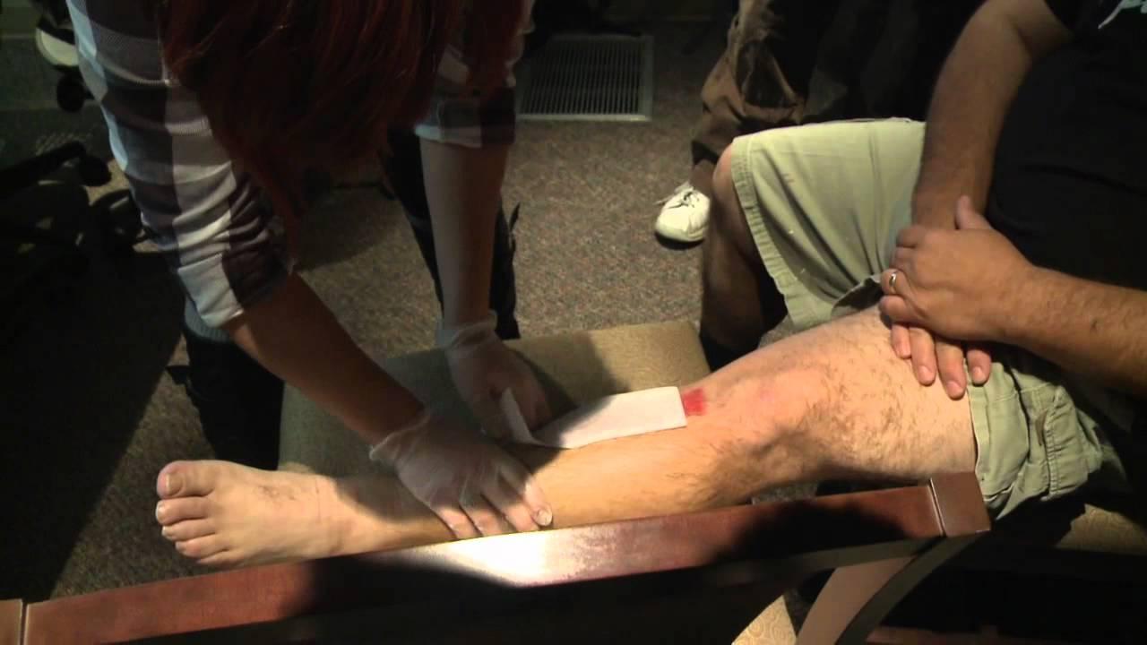 Men waxing their legs