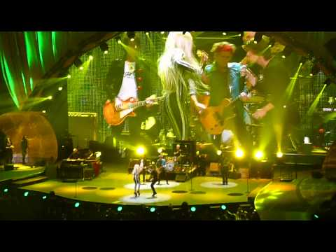 Rolling Stones - Gimme Shelter (with Lady Gaga) Live @ Newark, N.J. 15/12/12