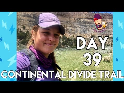 Day 39- Continental Divide Trail | Hiking Out of Ghost Ranch Through Stunning Rocks and Many Cows