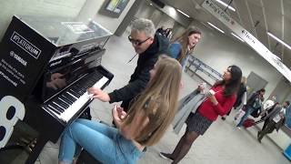 Teenage Piano Girl Gets Told Off For Playing Einaudi