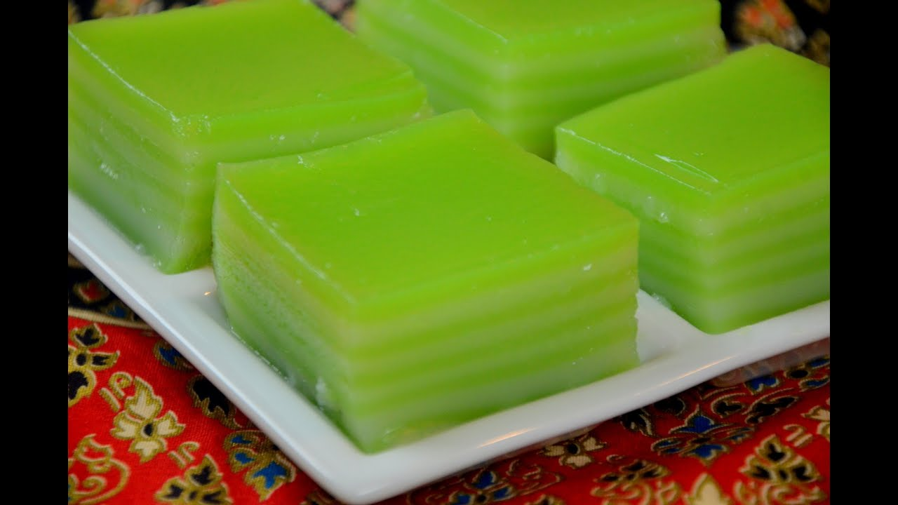 How To Make Thai Khanom Chan Steamed Pandan Layer Cake ขนมช นใบเตย 千層糕 You