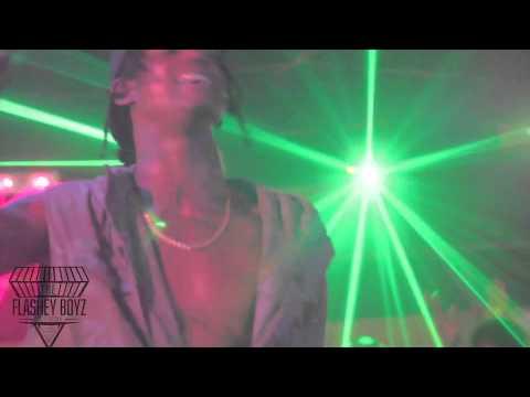 Flashey Boyz ft Toogie - Club Maui Live Performance!