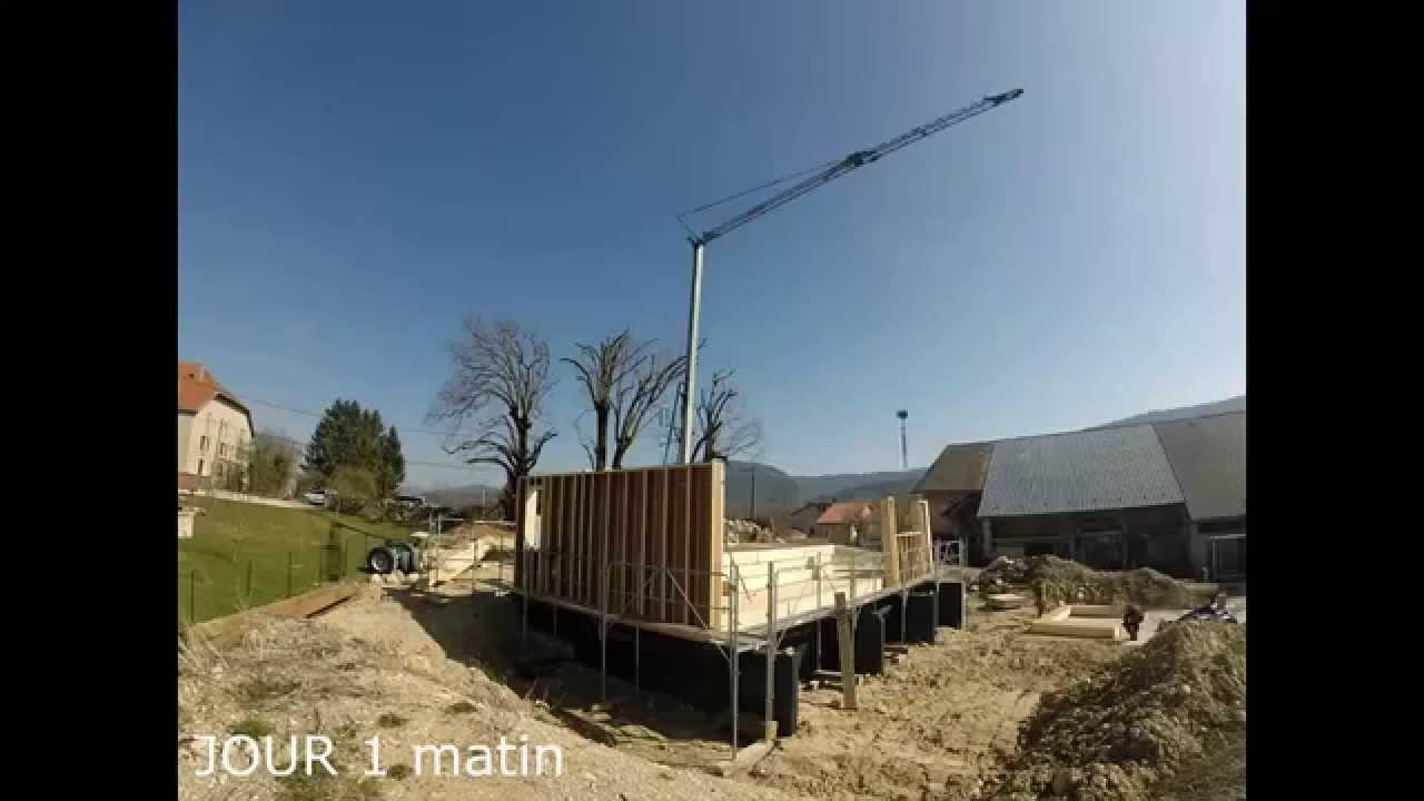 Montage d 39 une maison passive en ossature bois youtube for Montage maison en bois
