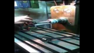réalésage d'une bielle moteur Terrot à moteur V-TWIN